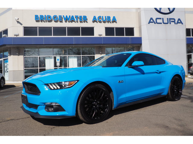 Pre Owned 2017 Ford Mustang Gt Performance Package