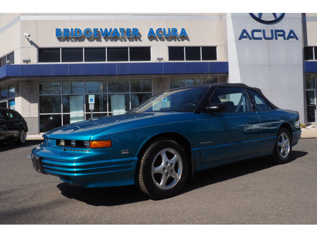 Pre-Owned 1994 Oldsmobile Cutlass Supreme Base