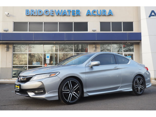 Pre-Owned 2017 Honda Accord Touring w/Nav
