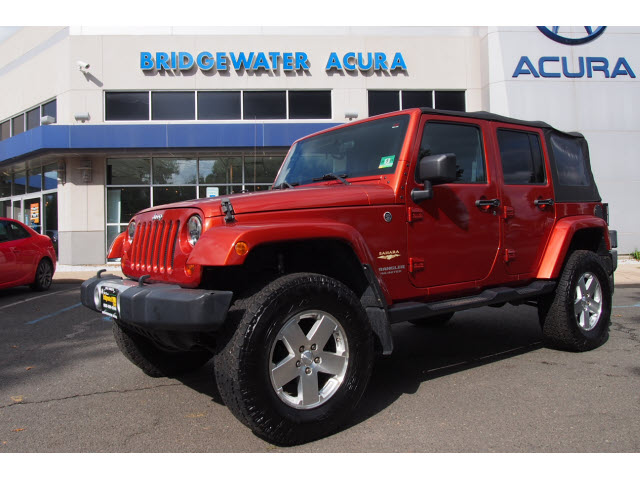 Pre Owned 2009 Jeep Wrangler Unlimited Sahara W/Nav