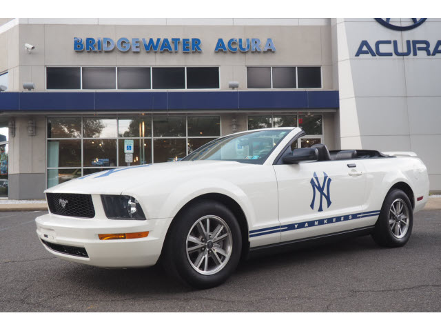 Pre-Owned 2005 Ford Mustang Limited Edition