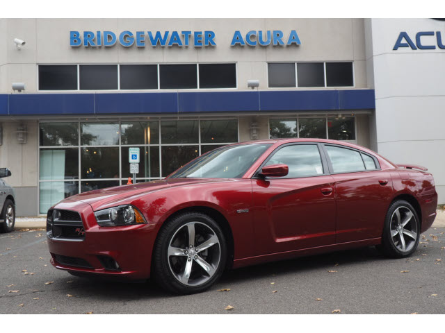 Pre-Owned 2014 Dodge Charger R/T w/Nav