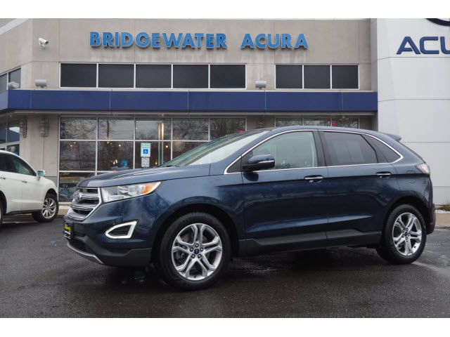 Pre-Owned 2017 Ford Edge Titanium w/Nav