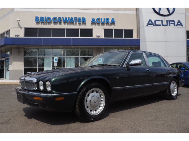 Pre-Owned 1999 Jaguar XJ-Series Vanden Plas