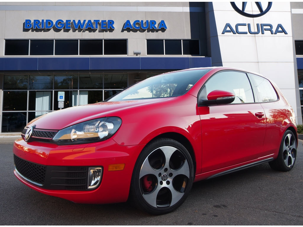 Pre-Owned 2012 Volkswagen GTI 2-Door w/PZEV (M6)