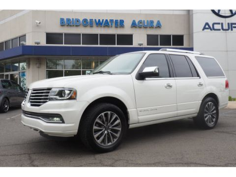 Pre-Owned 2015 Lincoln Navigator 4WD w/Nav