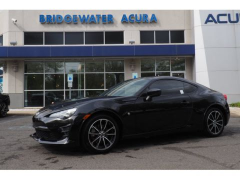 Pre-Owned 2017 Toyota 86 6 speed