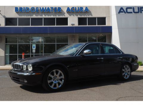 Pre-Owned 2004 Jaguar XJ-Series Vanden Plas w/Nav