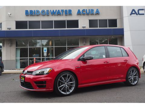 Pre-Owned 2017 Volkswagen Golf R 4Motion w/Nav