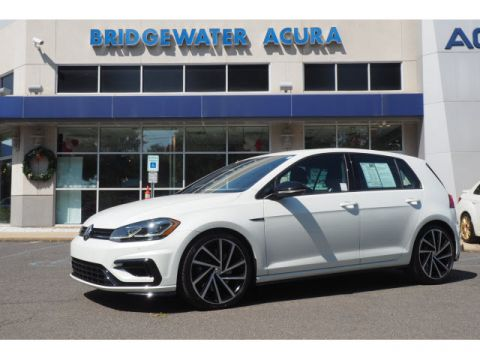 Pre-Owned 2018 Volkswagen Golf R 4motion w/Nav